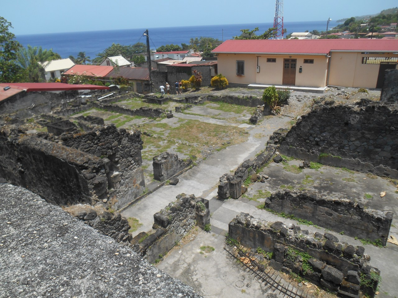 ruines-prison-saint-pierre-martinique.jpg