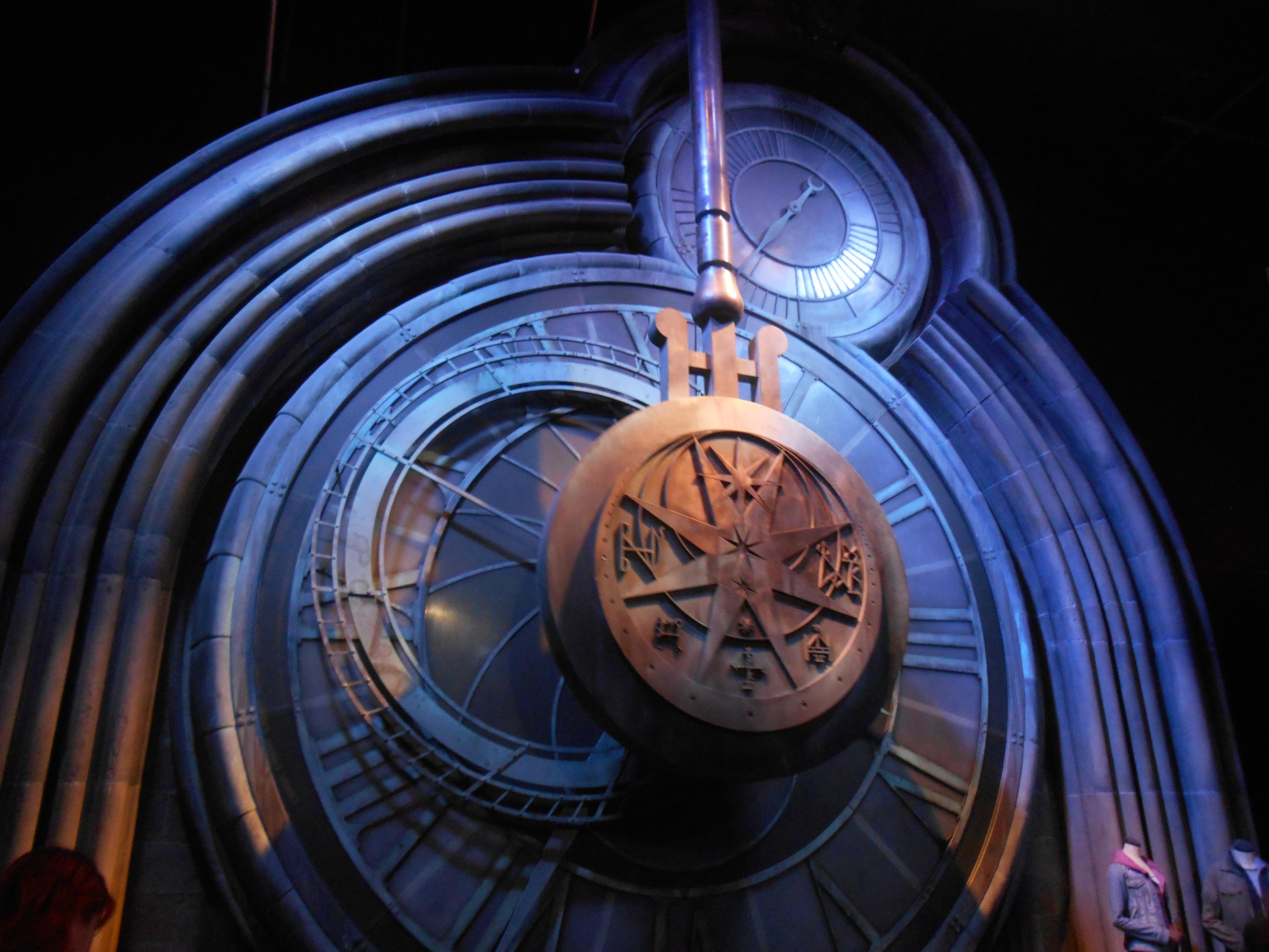 hogwart-clock.jpg