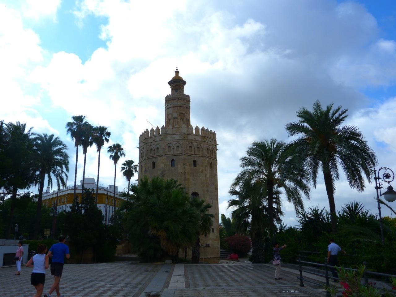 torre-del-oro-seville.jpg