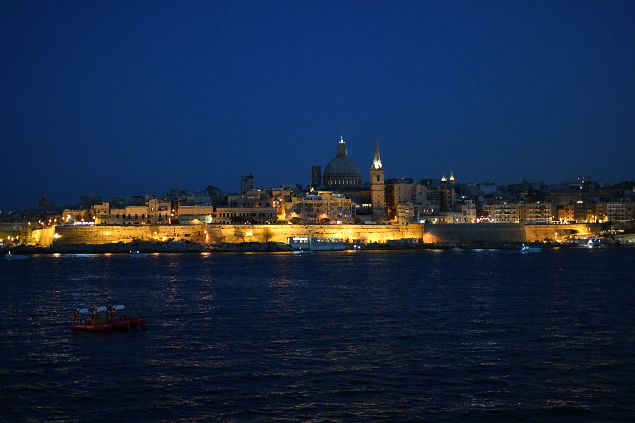valletta-by-night-malta.jpg