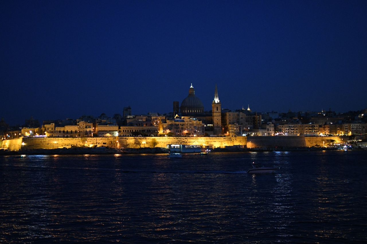 valletta-by-night.jpg